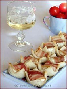 Mini paniers lard chèvre miel Plus Birthday Dinner Menu, Birthday Dinners, Birthday Brunch, 21st Birthday, Tapas, Salty Foods, Food Test, Snacks, Buffets