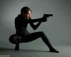 「shooting pose」の画像検索結果