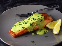 Salmon fillets are pan-seared on the stovetop and topped with a creamy avocado sauce, fresh basil, and lemon in this easy main dish. Salmon Recipes, Fish Recipes, Seafood Recipes, Cooking Recipes, Healthy Recipes, Salmon Dishes, Fish Dishes, Seafood Dishes, Low Carb Tilapia Recipe
