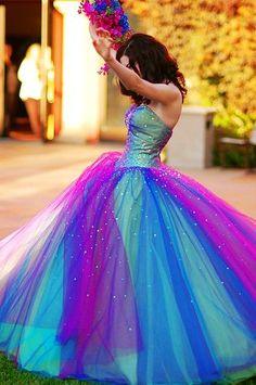 OMG incredible wedding dress