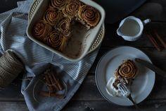 Cinnabon - Missis N Cinnabon Rolls, No Bake Desserts, Food Photo, I Foods, Good Food, Pudding, Favorite Recipes, Sweets, Baking