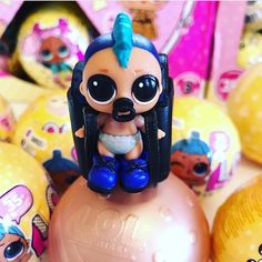 Wow guys check out what @superstoyreview found lil PUNK BOI the first lol boy how adorable! Head over To her Instagram and follow the link in her bio to watch the full YouTube video reveal #lolsurprise #lol #lolpunkboi #collectlol #collectlol_russia #lolsurpriseseries3 #lolsurpriselilsisters #lolsurprisedolls #lolsurprisedollcollector #toyhunter #toyreviewer #patiencesmagicaltoyemporium #lolsurpriseseries3wave2