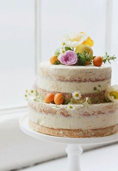 Beautiful naked cake with cheerful floral accents Cupcakes, Cake Cookies, Cupcake Cakes, Mini Cakes, Pretty Cakes, Beautiful Cakes, Just Desserts, Delicious Desserts, Bolos Naked Cake