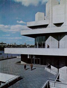 Teatro Nacional, Londres, Inglaterra, Reino Unido. Arquitetura: Denys Lasdun, 1976.