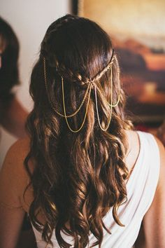 30 Enchanting Bridal Hair Accessories To Inspire Your Hairstyle ❤ See more: http://www.weddingforward.com/bridal-hair-accessories-to-inspire-hairstyle/ #wedding #hairstyles