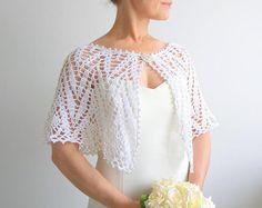 Blanca capa, crochet envoltura, boda cabo, poncho lacy, estola novia, boda, regalo para ella, envío rápido, listo para enviar