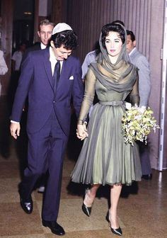 Image - Nouvelles photos de nos COUPLES de STARS... (de haut en bas) Audrey HEPBURN and Mel FERRER / Sophia LOREN and Carlo PONTI / Vivien LEIGH and Laurence OLIVIER / Jayne MANSFIELD and Mickey HARGITAY / Dale EVANS and Roy ROGERS / Judy GARLAND and Mickey DEAN / Linda DARNELL and J. PAVERELL MARLEY / Elizabeth TAYLOR and Eddie FISHER - I-LOVE-VINTAGE-ACTRESSES - Skyrock.com