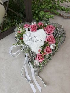 Funeral Flower Arrangements, Funeral Flowers, Christmas Centerpieces, Flower Crafts, Floral Wreath, Wreaths, How To Make, Diy, Home Decor