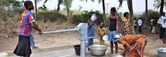 """""""Sträfliche Geldverschwendung"""" der EU-Kommission: Das britische Oberhaus kritisiert das Trinkwasser- und Sanitär-Engagement der EU-Kommission im Subsahara-Raum scharf. In einem Brief an Entwicklungskommissar Piebalgs ist von Geldverschwendung, Bürokratie und Ahnungslosigkeit die Rede."""