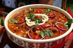 Voici la recette hongroise du babgulyas, un goulash aux haricots blancs, savoureux avec ses oignons et ses paprikas apprécié dans la région de la Puszta.