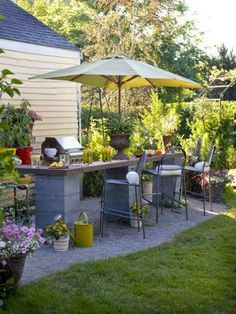 Best DIY Cinder Block Garden For Porch 21 If you are looking for cool tips for garden furniture, then these DIY cinder block bench ideas are just the things you need. Patio Diy, Diy Outdoor Bar, Diy Outdoor Furniture, Backyard Patio, Backyard Landscaping, Garden Furniture, Furniture Ideas, Patio Table, Rustic Furniture