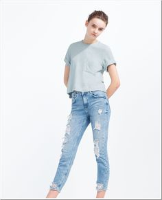 Used (normal wear), Zara TRAFALUC Ripped Jegging Adorable and comfortable jeggings. Used in great condition. Appropriate Measurements: long, inseam Size: Make an offer! Zara Tops, Denim Fashion, Womens Fashion, Zara Jeans, Zara Women, Distressed Jeans, Jeggings, Pants, La Mode