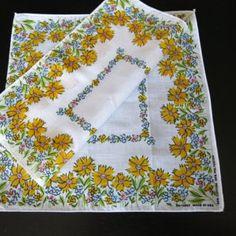2 Vintage Cotton Blend Hankies Yellow Daisies 161f