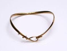 Designed by Vivianna Torun Bulow-Hube for Georg jensen Denmark c.1970 18k gold