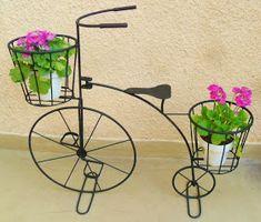 Modelo XL de bicicletas antiguas con dos porta macetas     realizadas artesanalmente en hierro, en este caso pintadas en color negro      ...