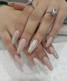Looking for easy nail art ideas for short nails? Look no further here are are quick and easy nail art ideas for short nails. Cute Nails, Pretty Nails, Silk Wrap Nails, Fall Acrylic Nails, Wedding Acrylic Nails, Christmas Acrylic Nails, Nails For Wedding, Wedding Nails Design, Acrylic Nail Art