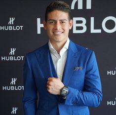 James Rodríguez James Rodriguez, Fc B, Real Madrid, Insta Pic, Gentleman, Suit Jacket, Hairstyle, Mens Fashion, Blazer