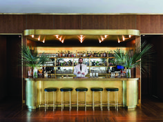 I love how this bar stands as its own entity in this high end, classic hotel. The Dewberry Hotel Interior Modern, Interior Exterior, Home Interior, Interior Design, Midcentury Modern, Design Hotel, Home Design, Design Design, Boutique Interior