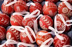 A húsvéti locsolkodás és a piros tojás My Heritage, Minion, Folk Art, Easter, Christmas Ornaments, Holiday Decor, Popular Art, Easter Activities, Christmas Jewelry