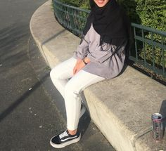 Girl Hijab, Hijab Outfit, Fashion Couple, Girl Fashion, Hijab Fashion, Fashion Outfits, Girl Attitude, Girly Pictures, Adidas Outfit