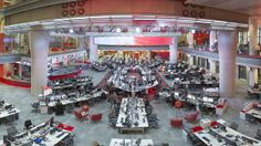 "The World's Newsroom / BBC World, desde el 14 de enero de 2013 / ""Fresh from announcing important new distribution deals (..) BBC World News is unveiling a dramatic new look next week when it re-launches from new studios in central London"""