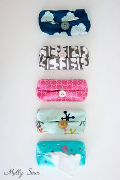 Scrap buster - Make a Travel Size Tissue Holder - Great gift for teachers, neighbors, family and co-workers - Video and Tutorial by Melly Sews Easy Sewing Projects, Craft Tutorials, Sewing Tutorials, Free Printable Sewing Patterns, Cotton Blossom, Scrap Busters, Pinking Shears, Great Teacher Gifts, Sewing Stitches