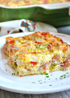 Baked Ham and Cheese Omelet EASY to make, 5 minutes of prep time! This baked ham and cheese omelet is healthy, 5 minute, prep-ahead recipe for breakfast, brunch or snack that our family loves! Breakfast And Brunch, Breakfast Bake, Breakfast Items, Breakfast Dishes, Ham Breakfast Casserole, Breakfast Omelette, Breakfast Sandwiches, Breakfast Recipes With Eggs, Light Breakfast Ideas
