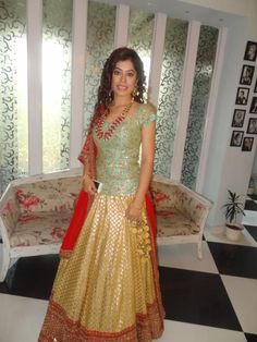 Wedding Ideas & Inspiration Light Green Bridal lehenga and saree Lehenga Wedding, Indian Bridal Lehenga, Wedding Dress, Pakistani Outfits, Indian Outfits, Lehenga Designs, Lengha Design, Indian Look, Indian Wear