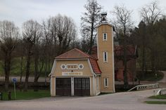 Old Fire Station of the village is used to hold theater performances for children. Finland, Theater, Fire, Cabin, House Styles, Design, Theatres, Cabins, Teatro
