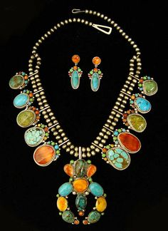 Native American and Southwest Art and Jewelry ? Turquoise Tortoise Gallery, Sedona This is very extravagant and beautiful Navajo Jewelry, Southwest Jewelry, I Love Jewelry, Ethnic Jewelry, Jewelry Design, Southwest Art, Southwest Style, Jewelry Ideas, Native American Jewellery