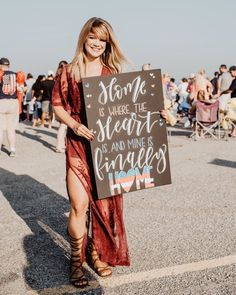 Military Homecoming Pictures, Marine Homecoming, Homecoming Poster Ideas, Marine Graduation, Homecoming Dresses, Welcome Home Boyfriend, Welcome Home Signs For Military, Military Signs, Welcome Home Posters