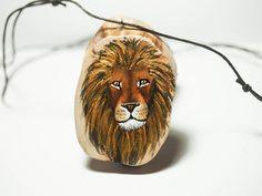 Lion with a shiny mane. Unique hand painted art jewelry   jewelry #jewelry #woodjewelry #wood #pendant #handpainted #painted #artjewelry #finland #art #animal #jewelry #diy #Lion #cat #bigcat