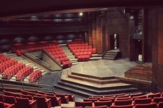 """Given the circular setup of the cafeteria table, this could be the probable design of the """"theatre."""""""