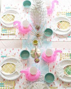 Perfect flamingo tablescape!
