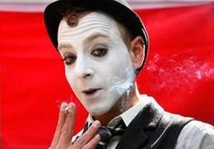 Backstage with street performers at Edinburgh fringe – photo essay | Stage | The Guardian