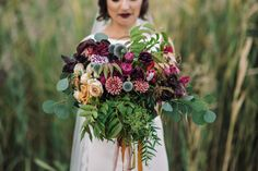 Textural bridal bouquet | Cari Courtright Photography | see more on: http://burnettsboards.com/2015/12/vintage-glam-bridal-boudoir/