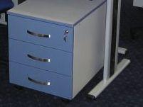 Pokretna kazeta na kotačićima u sivo/plavoj kombinaciji