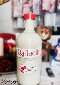 Vodka Bottle, Water Bottle, Welcome Drink, Food And Drink, Tasty, Kitchen, Sink Tops, Raffaello, Cuisine