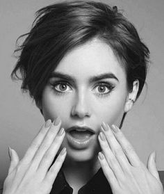 short haircuts, black and white image of lily collins, short dark hair with side bangs, looking surprised Top Hairstyles, Summer Hairstyles, Hair Inspo, Hair Inspiration, Pixie-cut Lang, Short Hair Cuts, Short Hair Styles, Pelo Pixie, Hair Styles 2016