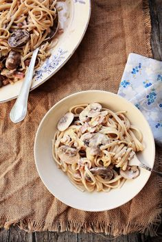 Linguini with mushrooms, leeks and bacon.