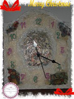 orologio natalizio fatto al decoupage con colore avorio carta riso tema natale e pasta neve
