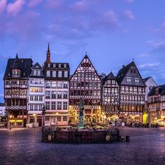 Hello friends . . . . . . . . . . . . . . . . . . . . . . . #Frankfurt #frankfurtammain #ig_captures #ig_worldclub #igglobalclub #shotaward  #fantastic_shotzs #epic_captures #bestaward #sky_central #sunset_captures #worldbestshot #ig_worldpics #igbest_shotz #master_shots #ig_today #princely_shotz #globe_captures #picoftheday #infinity_shotz #big_shotz  #wondershots #world_shots #wms_europe  #sharing_greatpics  #ig_clubaward #worldmastershotz_group #wow_maxscape #frankfurt #loves_united_world