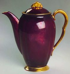 Carlton Ware (England) Rouge Royale at Replacements, Ltd Chocolate Pots, Chocolate Coffee, Carlton Ware, Tea For One, Tea Pot Set, Pot Lids, Teapots And Cups, Tea Art, Vintage Dishes