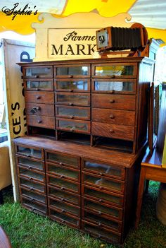 Home Furniture Vocabulary Painting Wooden Furniture Awesome Industrial Furniture, Rustic Furniture, Antique Furniture, Living Room Furniture, Diy Furniture, Modern Furniture, Outdoor Furniture, Furniture Plans, Furniture Makeover