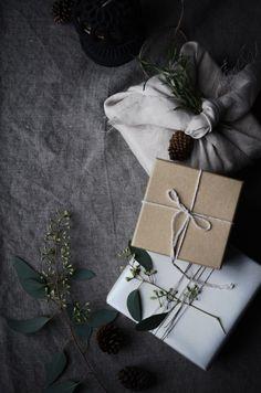 Image of wreath & wrap - a winter workshop (Dec. 6th)