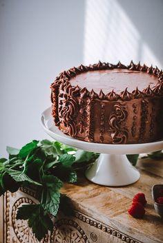 Pätkis-vadelmatäytekakku – Viimeistä murua myöten Just Eat It, Yams, Pretty Cakes, Sweet Desserts, Let Them Eat Cake, Fondant, Food And Drink, Sweets, Baking