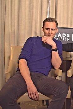 Tom Hiddleston - One Shots ❤ Tom Hiddleston Imagines, Tom Hiddleston Loki, My Tom, Man Thing Marvel, Thomas William Hiddleston, Marvel Actors, Loki Laufeyson, Tom Holland, Chris Hemsworth