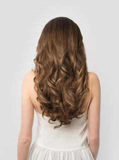 Chestnut Brown is a combination of deep brown, vibrant red, and golden brown undertones which make up this beautiful light brown shade. Instantly transform your hair into thicker, longer locks with Ch