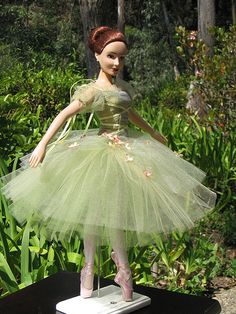 Barbie Ballet, Ballerina Doll, Doll Clothes Barbie, Barbie Dress, Beautiful Dolls, Beautiful Outfits, Ballet Costumes, Barbie Costumes, Enchanted Doll