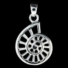 Silver pendant, snail Silver pendant, Ag 925/1000 - sterling silver. Snail. Dimensions approx. 14x18mm.